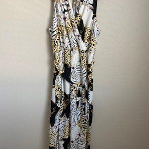 NWT Women's Plus Size V-Neck Thigh Slit Maxi Dress